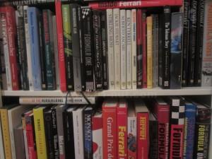 f1nut bookshelf