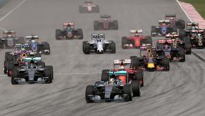 2015_Malaysian_GP_opening_lap